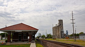 Dexter Vistor center and grain towers.JPG