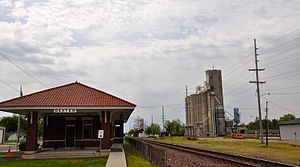 Dexter, Missouri - Image: Dexter Vistor center and grain towers