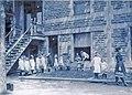 Dispensaire de la goutte de lait de l Hopital Sainte-Justine vers 1912.jpg