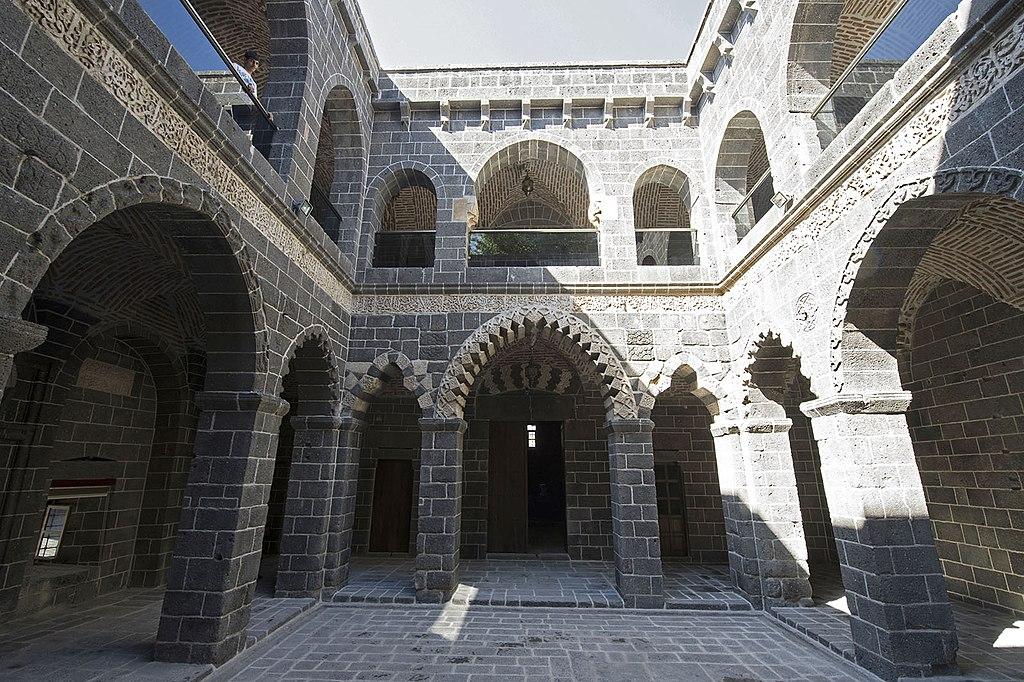 Diyarbakır Mesudiye Medresesi 3694