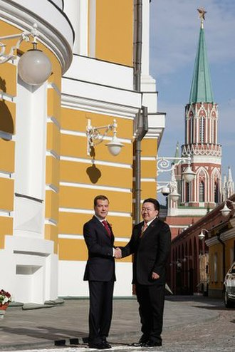 2010 Moscow Victory Day Parade - Image: Dmitry Medvedev greetings 9 May 2010 4