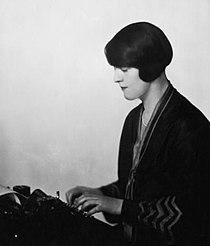 Dorothy Thompson 1920.jpg