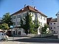 Dreigeschoßiges Walmdachhaus - panoramio.jpg