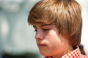 Dylan and Cole Sprouse - Dylan Sprouse at the 2010 White House Easter Egg roll