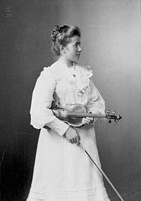 E. Bieber Portrait of Pálma von Pásztory 1905.jpg