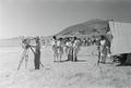ETH-BIB-Abessinische Soldaten und Schweizer Kameramann-Abessinienflug 1934-LBS MH02-22-1006.tif
