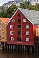Edificio a lo largo del río Nidelva, Trondheim, Noruega, 2019-09-06, DD 61.jpg