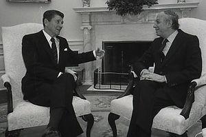Ephraim Evron - 1982 in Oval Office