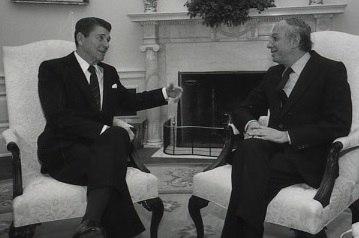 Ephraim Evron and Ronald Reagan 1982