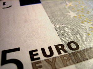 English: Close up of a five euro note