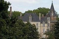 Façade sud du château du Plessis (Argentré-du-Plessis, Ille-et-Vilaine, France).jpg