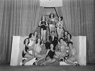 Beauty pageant - Beauty contest in Montreal, 1948
