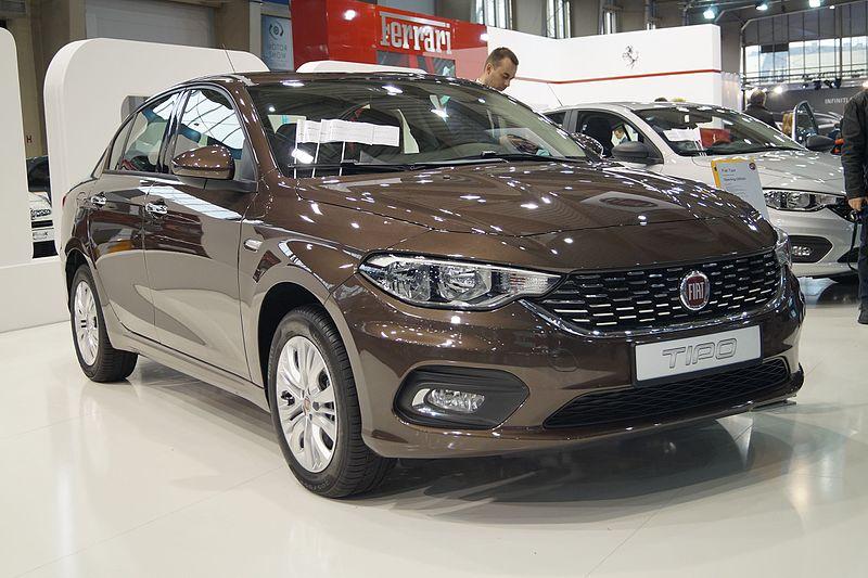 Fiat Tipo - prz%C3%B3d (MSP16).jpg