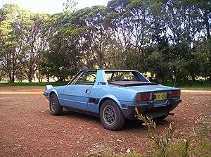 Fiat X1/9 - 1976 Fiat X1/9 (1300 cc)