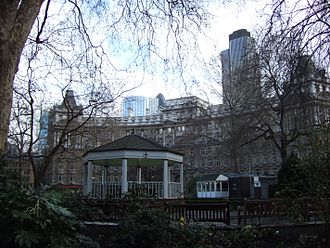 Coleman Street - Finsbury Circus, in the northeast of the ward, is the largest public park in the City.