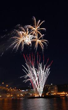 File:In tutto il mondo festeggiamenti per dare il benvenuto al 2013 .jpg