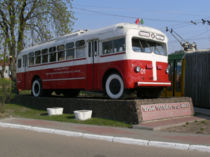les voitures dans les romans de stephen king - Page 4 210px-First_trolleybus_of_Minsk_01