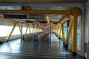 Fiumicino Airport 2011-by-RaBo-06.jpg