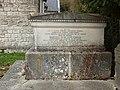 Fontaine-en-Dormois-FR-51-sépulture Tirlet-a2.jpg