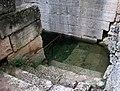 Fontaine Glanum P1010139mod.jpg