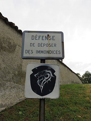 Fontaines-Saint-Martin - Défense de déposer des immondices cimetière (juil 2018).jpg