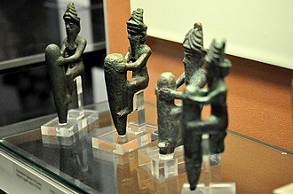 Gudea - Foundation figurines of gods in copper alloy, reign of Gudea, c. 2150 BCE, from the temple of Ningirsu at Girsu (British Museum, London).