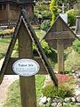 Friedhof Wang Gräber August Fels und Rudolf Jonas.jpg