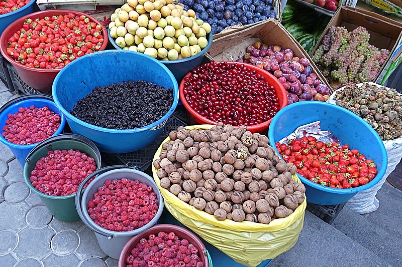 File:Fruits, berries and nuts in Yerevan street market.jpg