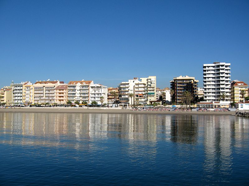 File:Fuengirola Playa 04.jpg