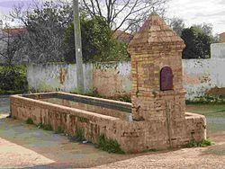 Fuente-Abrevadero El Pilar (Calañas).jpg