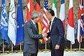 G7 Taormina Paolo Gentiloni Jim Yong Kim handshake 2017-05-27.jpg
