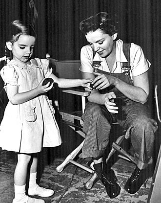Summer Stock - Judy Garland with toddler Liza Minnelli on the set.