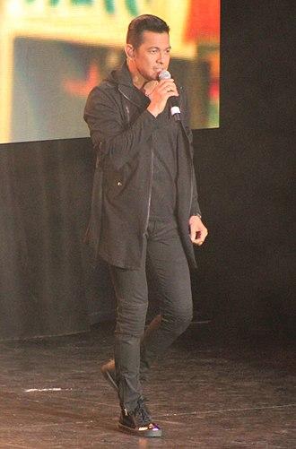 Gary Valenciano - Gary Valenciano singing in Toronto, 2014
