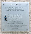 Gedenktafel Mommsenstr 7 (Charl) Hanns Sachs.JPG