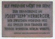 Gedenktafel Waldschulallee 34 (Weste) Sepp Herberger
