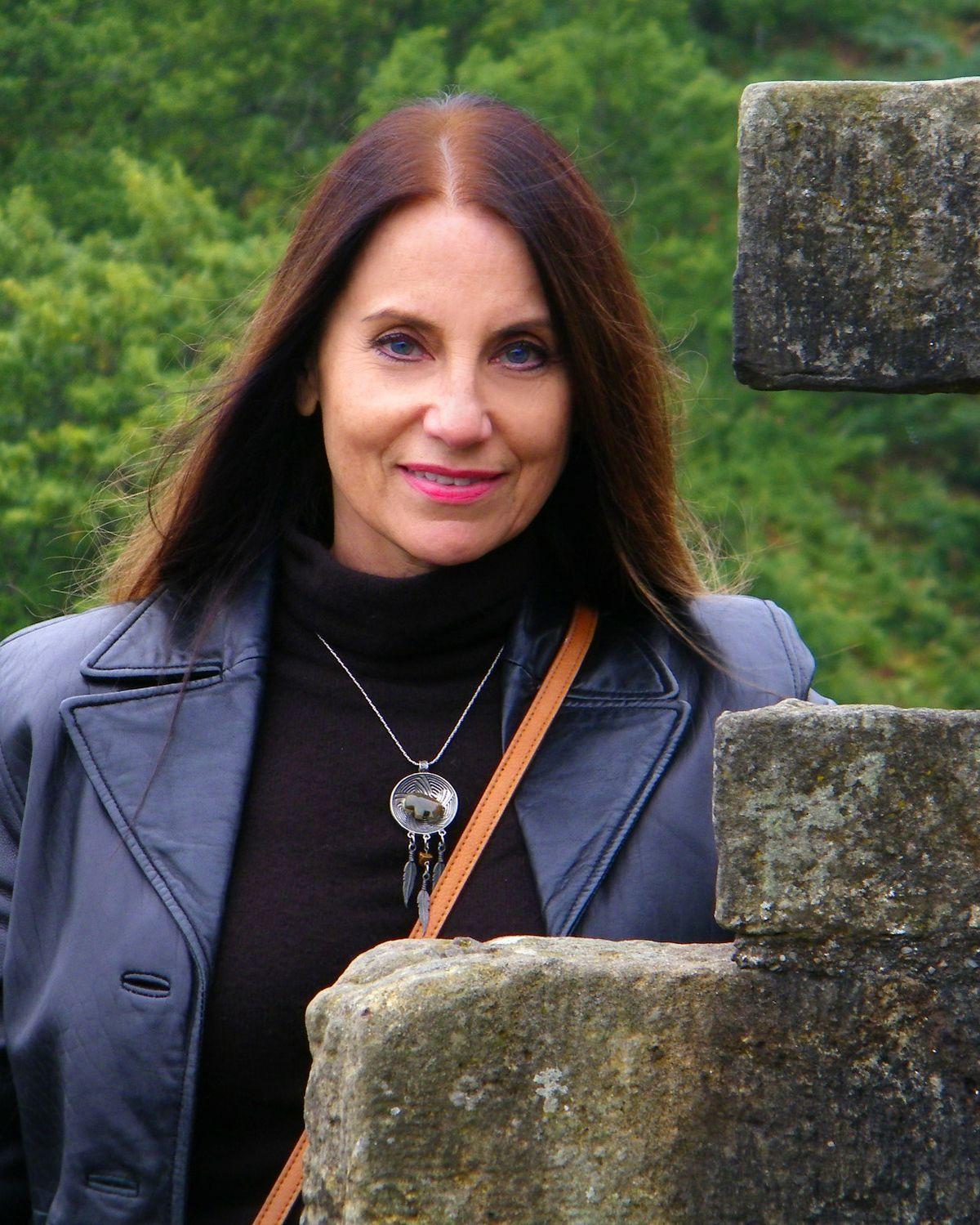 Glynnis Talken Campbell - Wikipedia