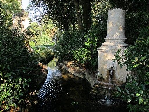 Firenze, Giardino Bardini, Fontana del Drago, posta nella parte superiore del giardino Bardini