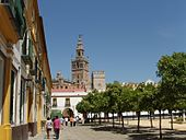 İspaniya ........... 170px-Giralda_de_Sevilla_2