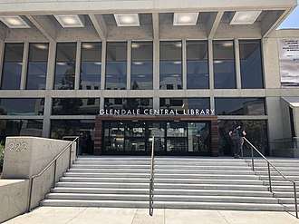 Front entrance to the Downtown Central Library, 2018 Glendale Central Library entrance, June 2018.jpg
