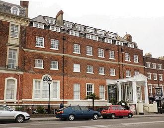 Gloucester House - Gloucester Lodge