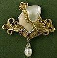 Gold Pendant brooch, Art Nouvea ustyle, c.1902.jpg