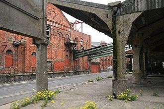 Grimsby Ice Factory - The rear of the former Ice Factory and the now derelict concrete fish market (right), 2008