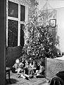 Gyerekek, karácsonyfa. 1942-ben Budapesten. Fortepan 72008.jpg