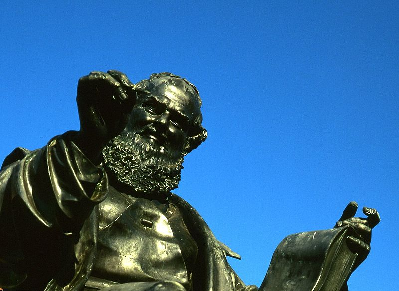 File:Hans Sachs statue.jpg