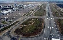 Ασφάλεια Πτήσεων  220px-Helsinki-Vantaan_kiitotie_33