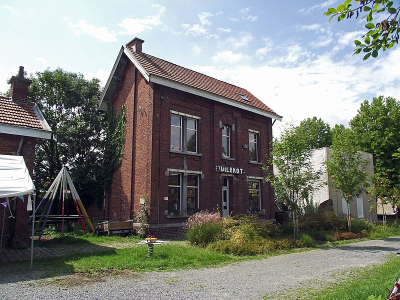 Former vicinal railway station in Herzele. Now in use by culture association t'Uilekot.