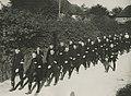 Het detachement van de gemeentepolitie Amsterdam onderweg op de eerste dag van d – F40573 – KNBLO.jpg