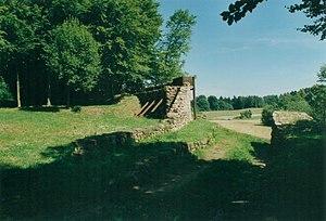 Heunischenburg - The Heunischenburg with a view through the gateway looking east