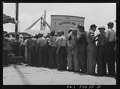 Higgins shipyard workers buying milk at lunch hour 8d39884v.jpg