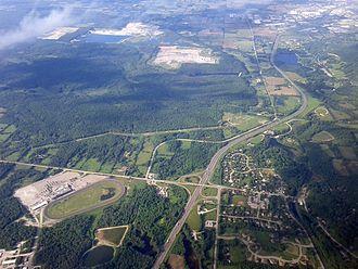 Greenbelt (Golden Horseshoe) - Highway 401 in the Greenbelt.